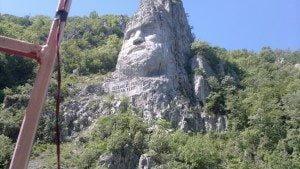 statuia lui Decebal din Dubova