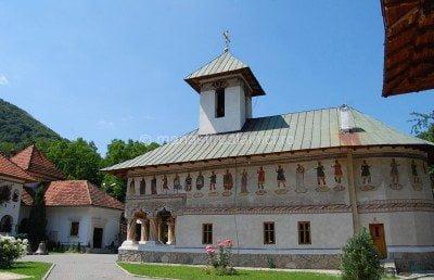 manastirea lainici imagini
