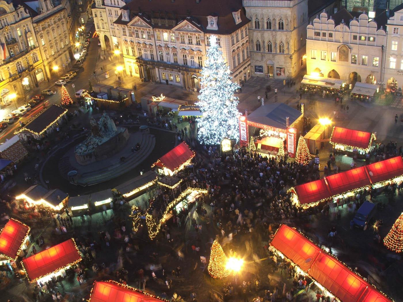 Praga, orașul celor 100 de turle! Vizitează-i piețele magice de Crăciun! 10