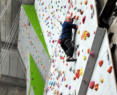 O buna idee de cadou, Climbing indoor in Bucuresti 4