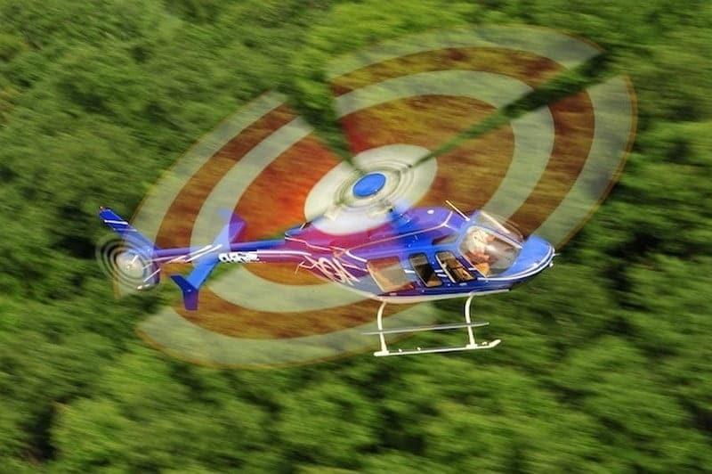 O buna idee de cadou, Survol cu elicopterul si invitati deasupra castelelor Bran si Peles -Bucuresti 16