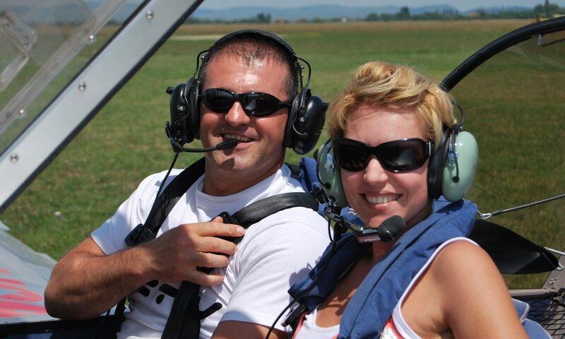 O buna idee de cadou, Lectie de zbor cu avionul in Sovata 4