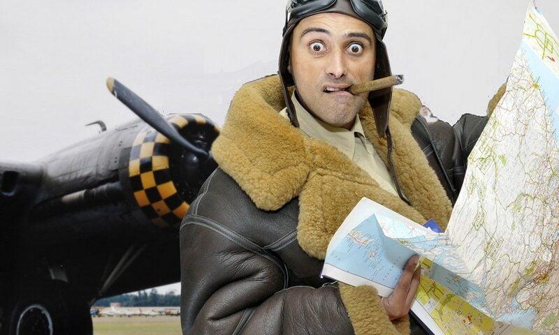 O buna idee de cadou, Lectie de zbor cu biplanul de epoca in Bucuresti 3