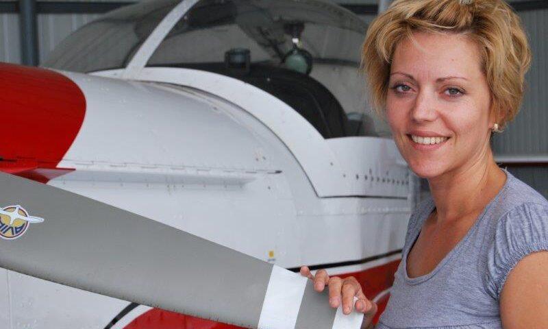 O buna idee de cadou, Survol de placere cu avionul in Craiova 4