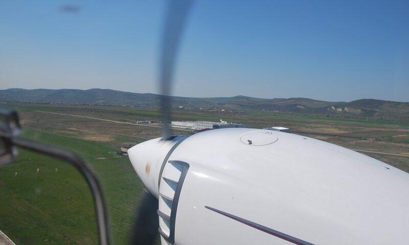 O buna idee de cadou, Survol de placere cu avionul in Timisoara 4