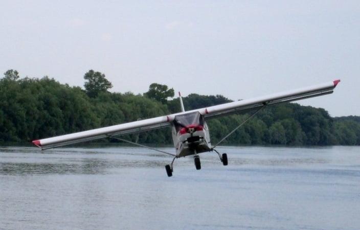 O buna idee de cadou, Lectie de zbor cu avionul in Tulcea 4