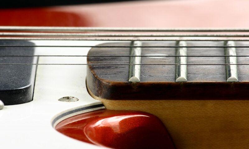 O buna idee de cadou, Lectie privata chitara electrica in Bucuresti 4
