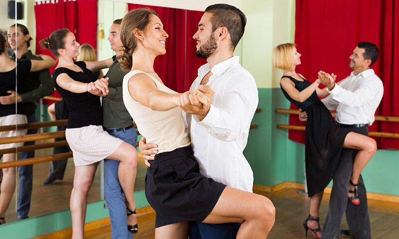 O buna idee de cadou, Lectie de salsa pentru incepatori in Cluj 4