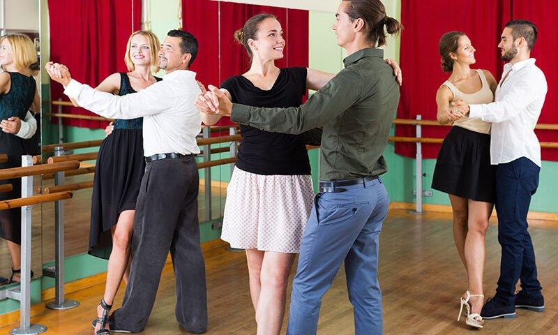O buna idee de cadou, Lectie de salsa pentru incepatori in Turda 4