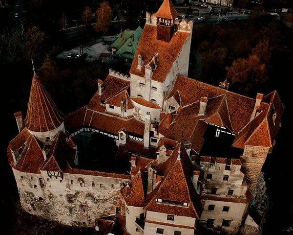 O buna idee de cadou, Pranz Regal la Castelul Bran si limuzina 4