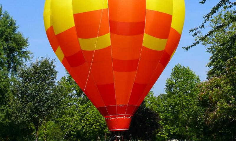 O buna idee de cadou, Lectie de zbor cu balonul in Bucuresti 3