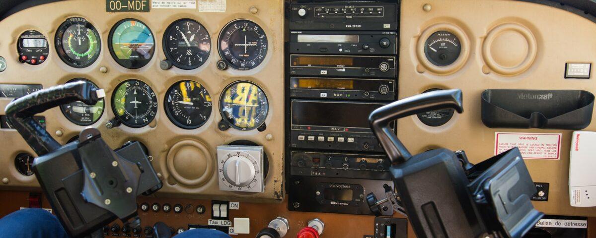 O buna idee de cadou, Lectie de zbor cu avionul in Suceava 4