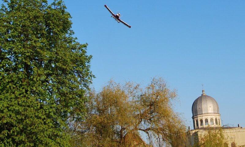O buna idee de cadou, Survol de placere cu avionul in Oradea 4