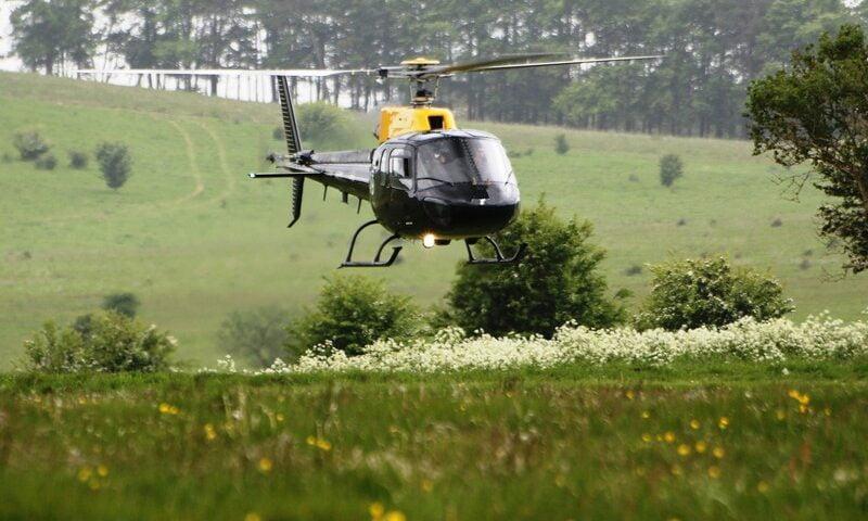 O buna idee de cadou, Survol de placere cu elicopterul si invitati in Bucuresti 4