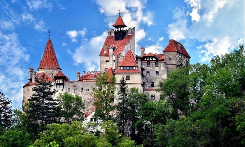O buna idee de cadou, Survol de placere cu avionul si invitati deasupra castelului Bran 4