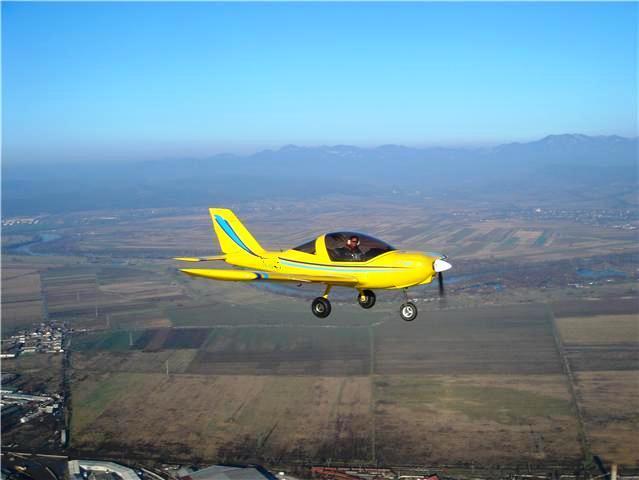 O buna idee de cadou, Survol de placere cu avionul in Pitesti 3