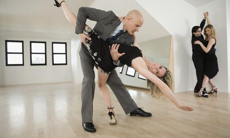 O buna idee de cadou, Lectie de tango pentru cupluri in Turda 4