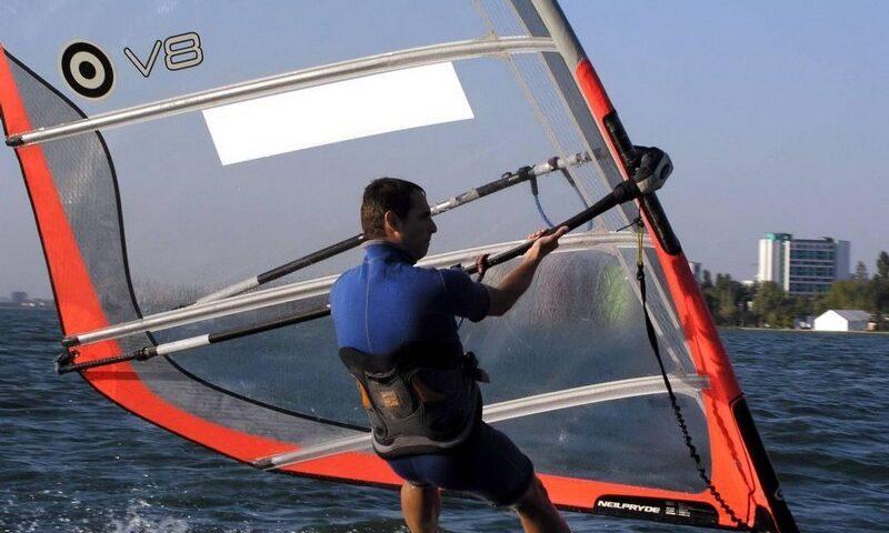 O buna idee de cadou, Initiere in windsurfing in Constanta 4