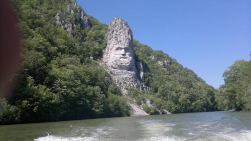 Imagine cu Statuia lui Decebal de la cazane