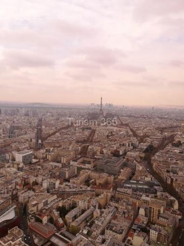 Imagine spre Turnul Eiffel din TURNUL MONTPARNASSE
