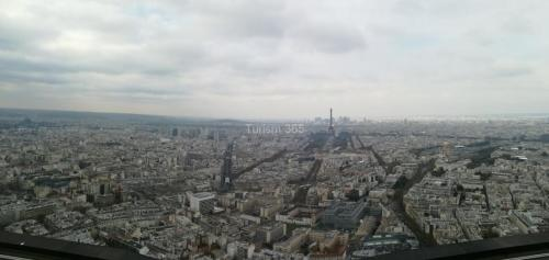 vedere ultimul etaj Turnul Montparnasse din Paris